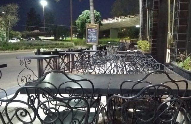 Perotti adelantó cómo será la reapertura de bares y restó