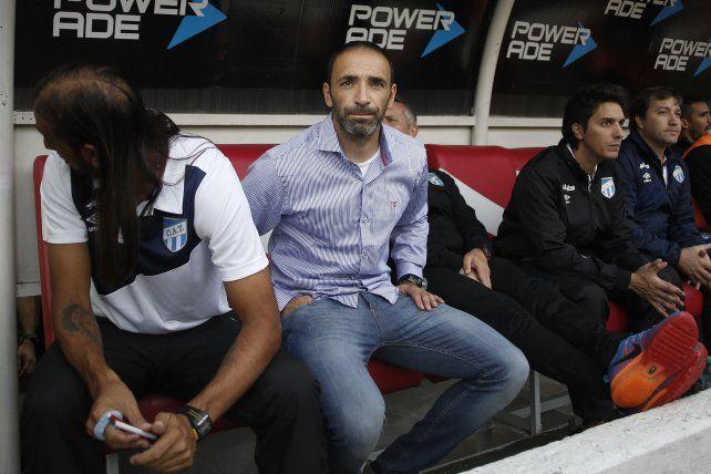 Unión confirmó el cuerpo técnico de Juan Azconzábal.