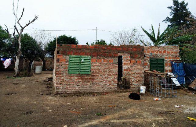 Algunas viviendas ya tienen un buen nivel de avance. Están en el barrio Santo Domingo, en el noroeste de la ciudad de Santa Fe.