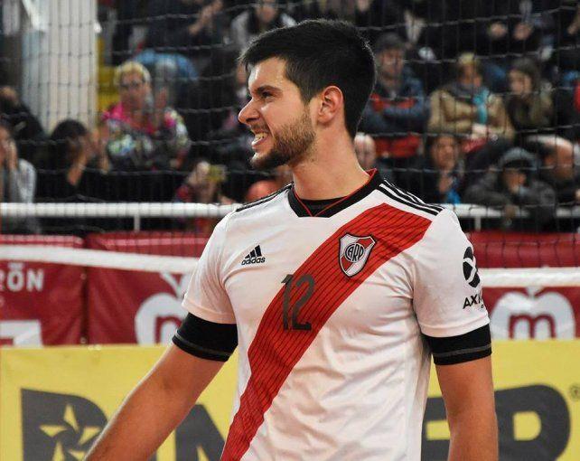 Formado en Villa Dora, viene de ser campeón con River Plate.