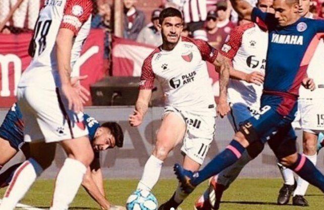 Guillermo Celis terminó su contrato en Colón y hay rumores sobre su posible vuelta a Colombia