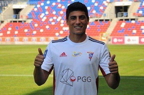 Juan Francisco Bauza debía volver a Colón pero seguirá jugando en Europa.