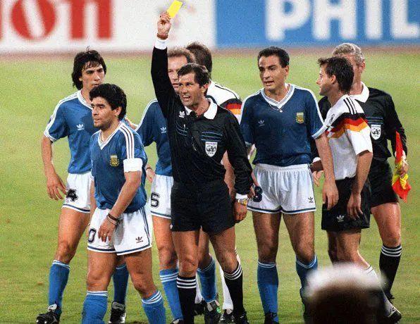 Maradona fue durísimo con el árbitro Codesal por la final ante Alemania en el Mundial de Italia 1990.