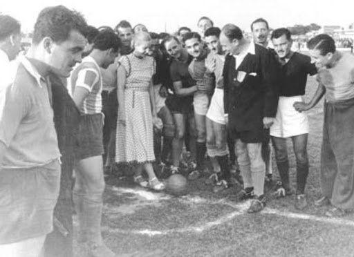 Eva Duarte de Perón inauguró el estadio de Colón, que llevaba su nombre: hoy Brigadier Estanislao López.