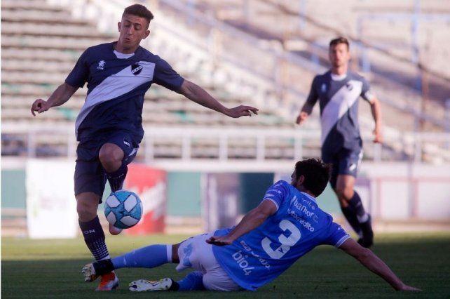 Lucas Algozino tuvo una interesante campaña con Alvarado en el ascenso, pero no estaría en los planes de Juan Azconzábal en Unión