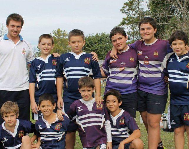 El ex rugbier lasallano es entrenador de infantiles y juveniles en su club.