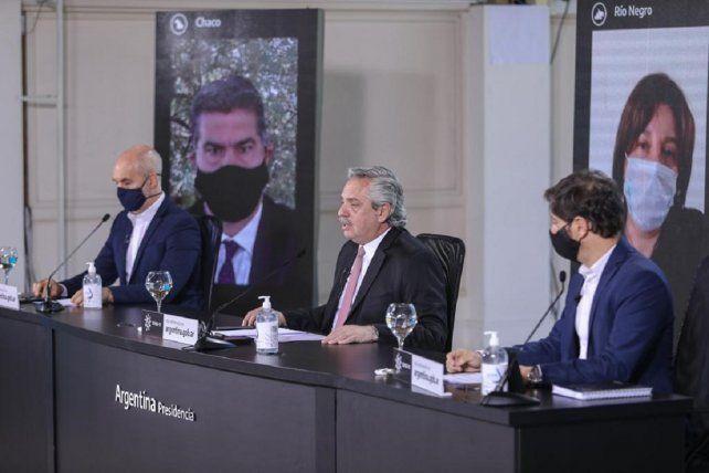 Alberto Fernández, con Horacio Rodrígguez Larreta y Axel Kicillof, en el anuncio de flexibilización de la cuarentena por el coronavirus.