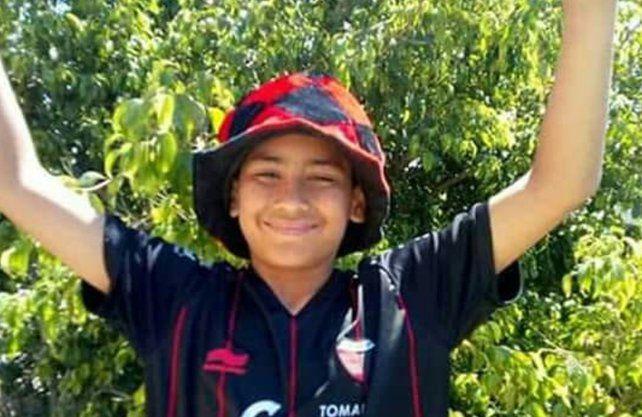 Mateo tiene 12 años y tuvo que ser intervenido por un tumor en su cabeza.