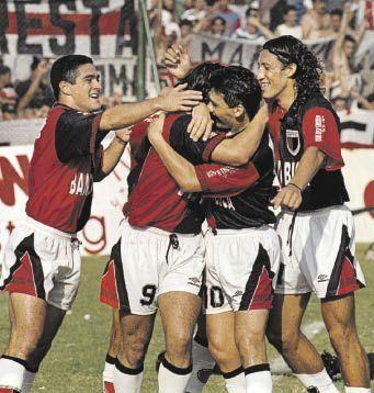 Uliambre fue clave en el ascenso a Primera de Colón en el 95 y también protagonizó grandes campañas en la A.