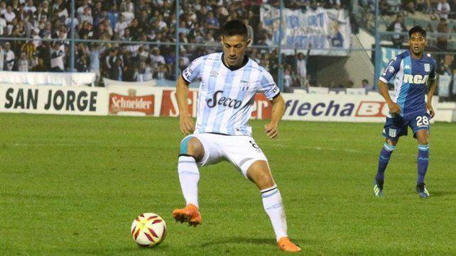 Guillermo Acosta es el volante que pretende Azconzábal y el jugador quiere ir a Unión.