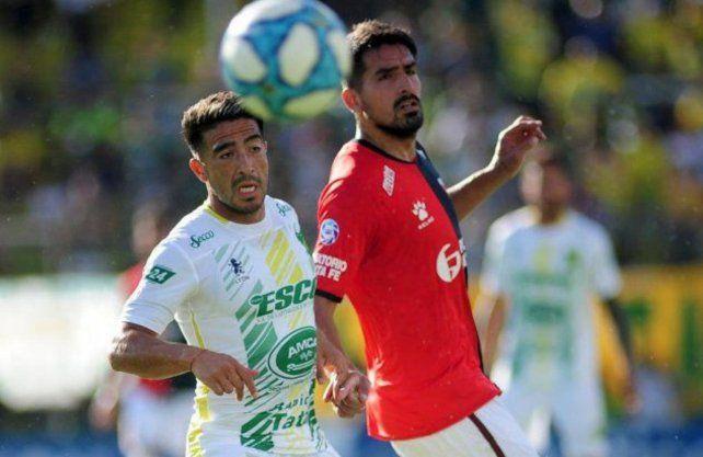 Colón está negociando con Lucas Viatri la deuda y una posibilidad de retocar el contrato.