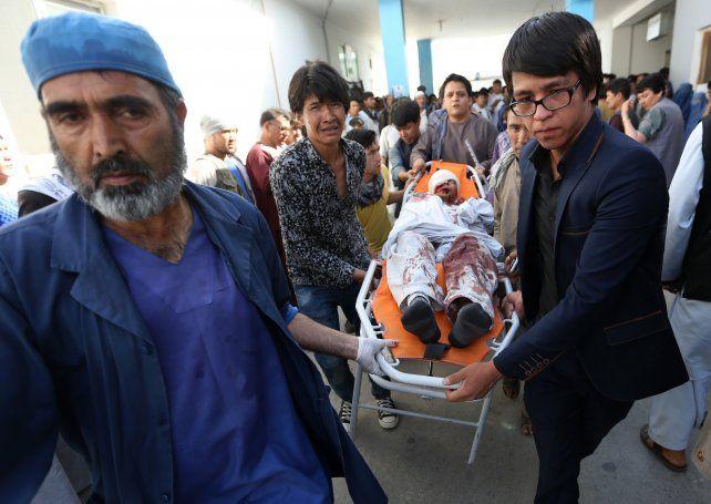 Al menos 61 muertos en un ataque de Estado Islámico en Afganistán