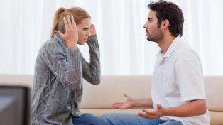 Establecen que en el matrimonio es lícito que los cónyuges revisen sus teléfonos