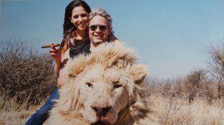 Salen a la luz fotos de Vannucci y Garfunkel cazando animales
