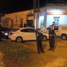 La policía de Concordia en la esquina del tiroteo.