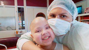 Antonella en estado crítico: Por favor recen para que despierte, dijo su mamá