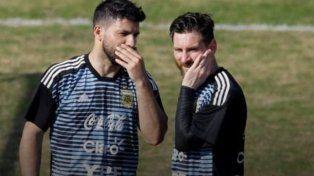 Se filtró un curioso video de Agüero y Messi en plena concentración de la Argentina