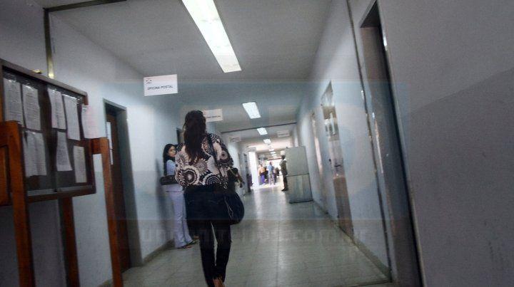 Denuncia reciente. La madre del acusado ayer realizó la acusación en la fiscalía.