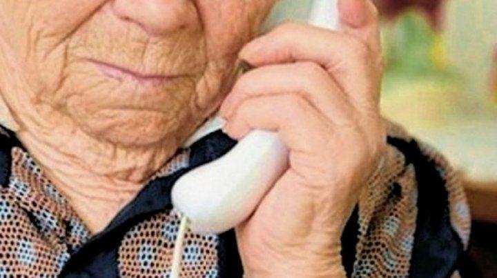 Con el cuento del nuevo ministro de Hacienda robaron 110.000 pesos a una anciana
