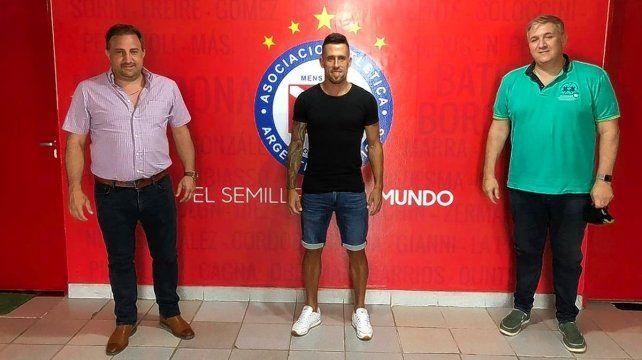 Javier Cabrera desechó la chance de continuar en Unión y acordó su retorno a Argentinos Juniors.
