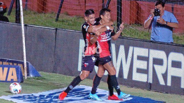 Alexis Castro y Luis Rodríguez serán nuevamente titulares en el Colón de Eduardo Domínguez para enfrentar a Argentinos.