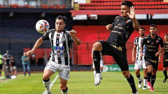 Paolo Goltz es uno de los jugadores con más experiencias en Colón y Eduardo Domínguez lo ubicó de titular