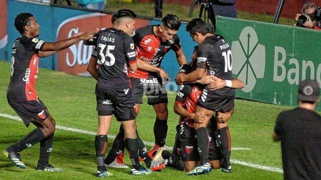 Está la lista de jugadores que esperarán el duelo histórico que disputará Colón ante Talleres en el Brigadier López.