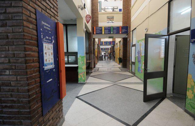 Hospital de Niños: por 9 médicos con coronavirus, suspendieron por una semana la atención de consultorios.